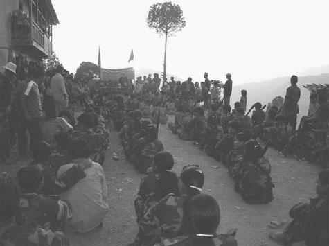 La Nepalaj maoistoj disvastigis revolucion ĝis pli ol 60 elcentoj de la lando (Fotografisto: PCR-CO)